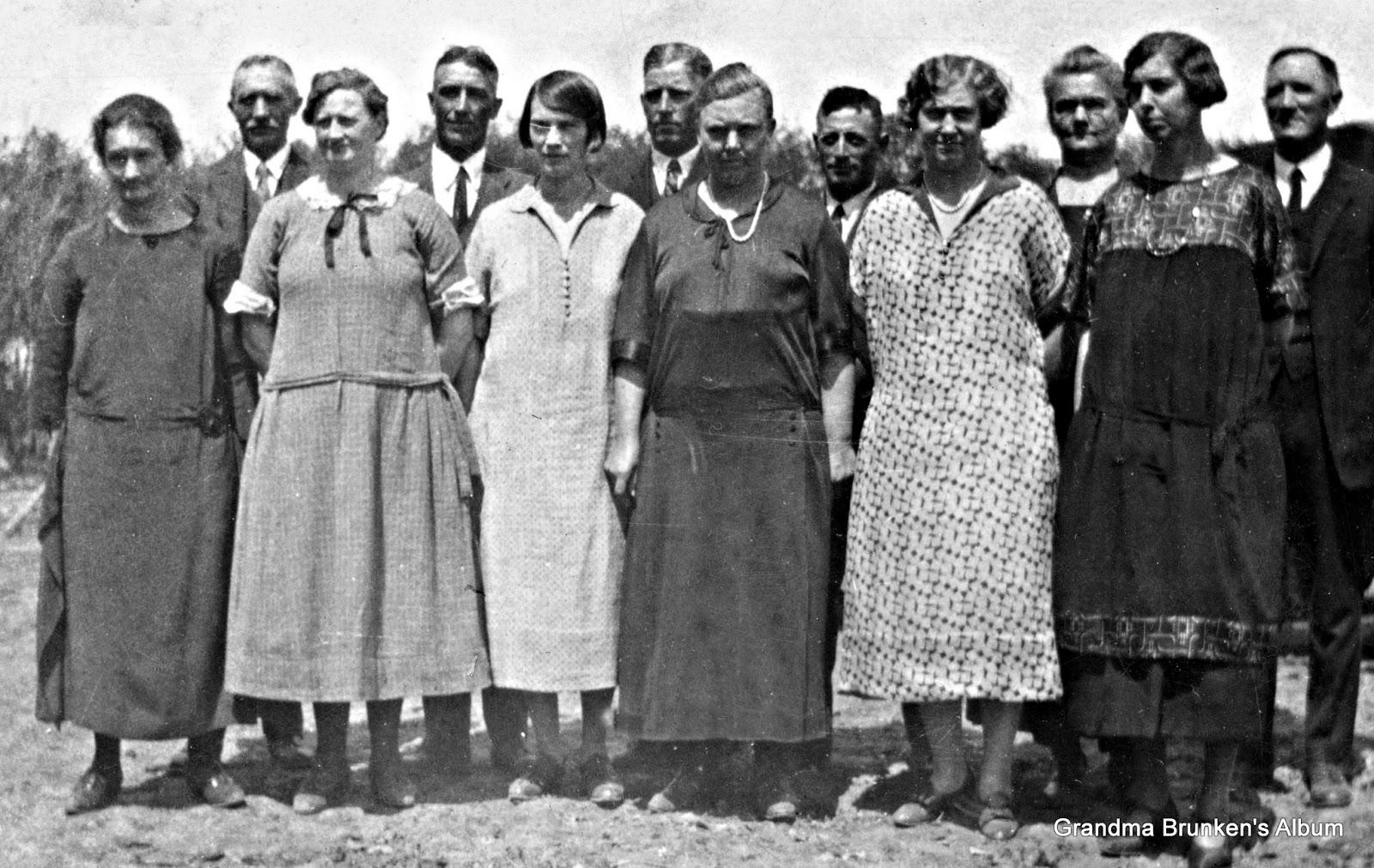 Carsten Petersen, Sr.'s Children with Spouses - Circa 1925
