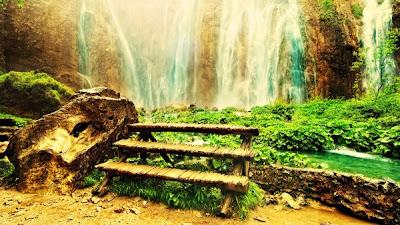 Gambar Pemandangan Indah air terjun