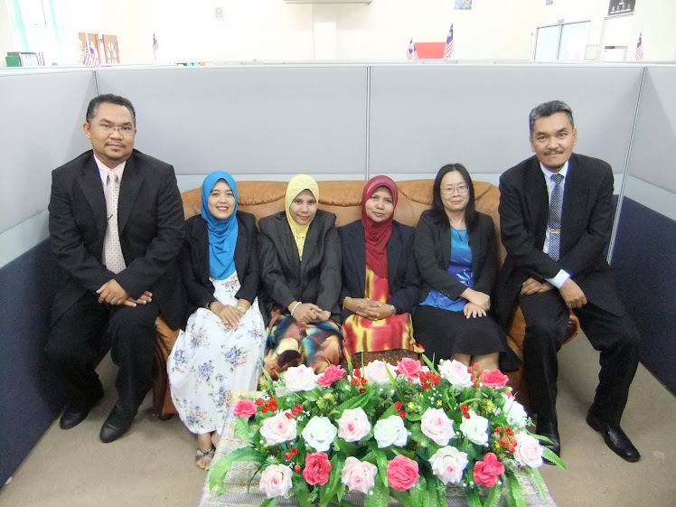 The English Lecturers of KMTK