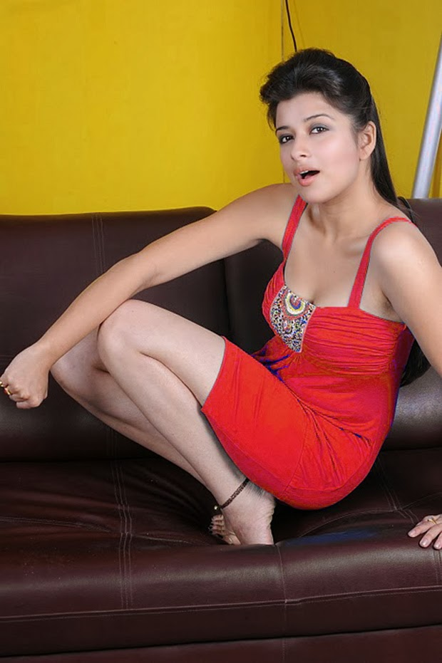 Madhurima Hot Wallpapers Collection In 2013 Actress
