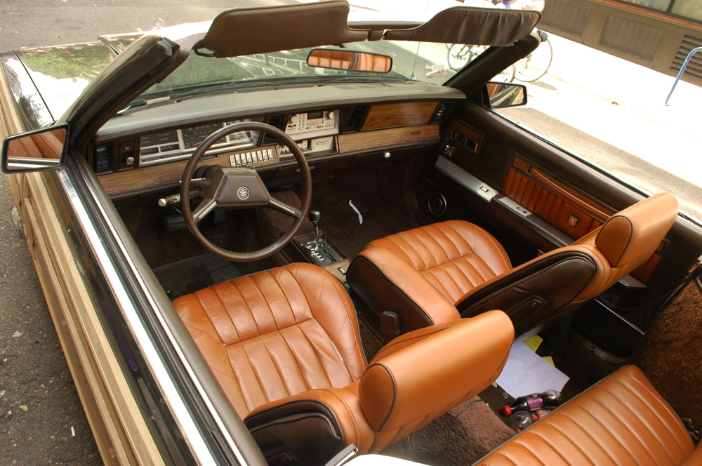 old parked cars 1983 chrysler le baron t c convertible mark cross edition. Black Bedroom Furniture Sets. Home Design Ideas