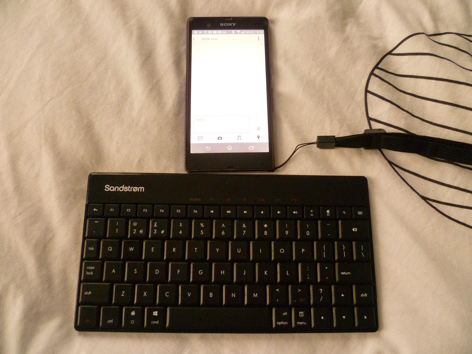 sandstrom bluetooth wireless keyboard tablet laptop smartphone mobile phone device review