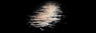 ranjena luna │ kot v ogledalu │ ne kamenjam valov