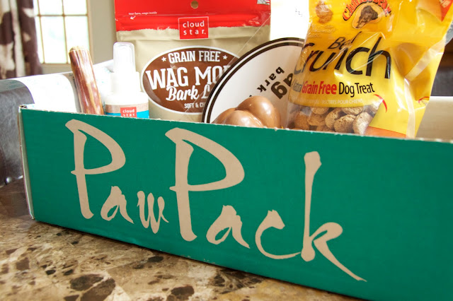Unboxing of my May 2015 Pawpack monthly subscription box.