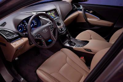 2012-Hyundai-Azera-Interior