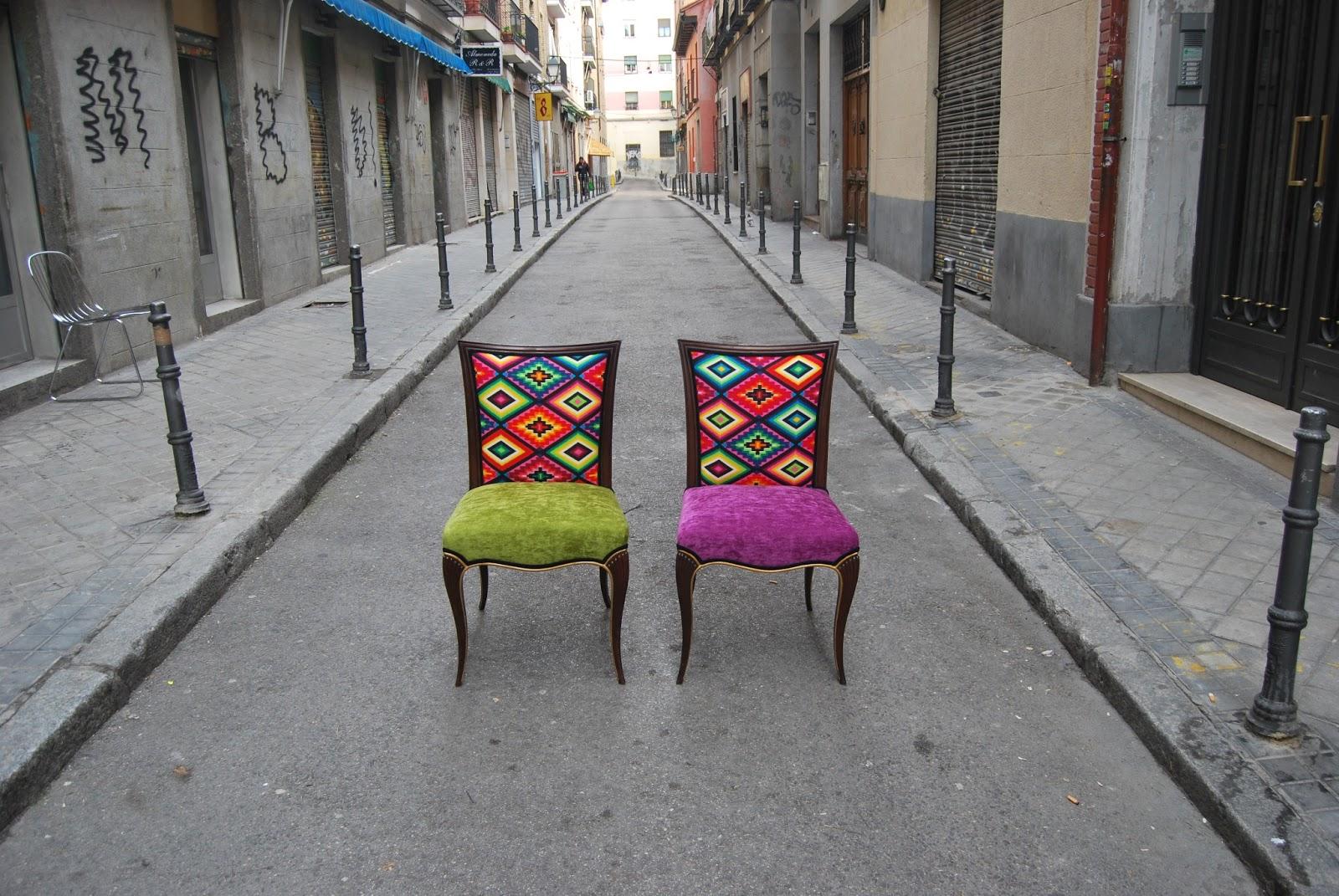 Sillas tapizadas con tela de motivos mejicanos la tapicera for Sillas apilables tapizadas