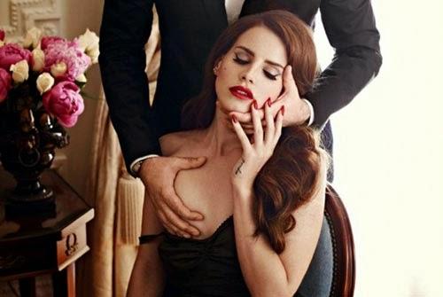 Lý do tại sao đàn ông thích nhìn và sờ ngực phụ nữ