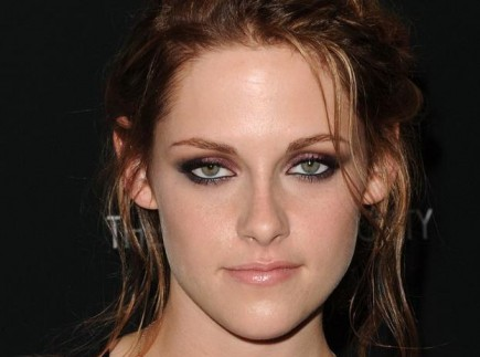 Kristen Stewart  Color on The Pink Sheeps  Maquillaje Inspirado En Kristen Stewart