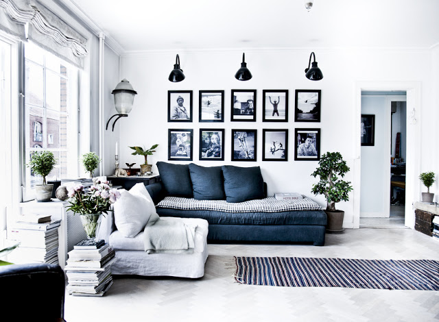 I Love Everything About This Living Area. I Love The White, Black, Silver  And Blue Colours Of This Space Broken Up By The Green Plants And Flowers. Part 45