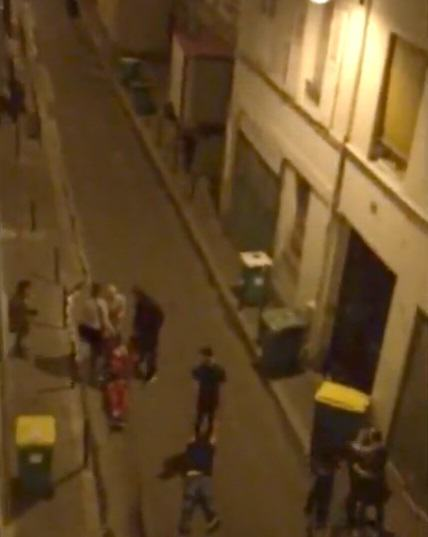 video penembakan membabi buta di paris perancis