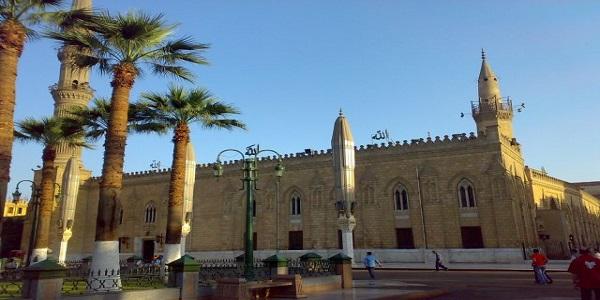 افتحوا ابواب السياحة الدينية من الحسين الى دير سانت كاترين