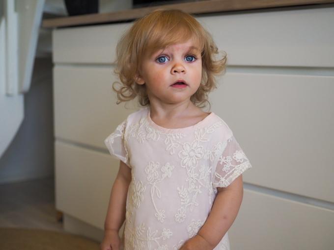 morsiusneito, kukkatyttö häissä, lapset omissa häissä, mekko häihin lapselle