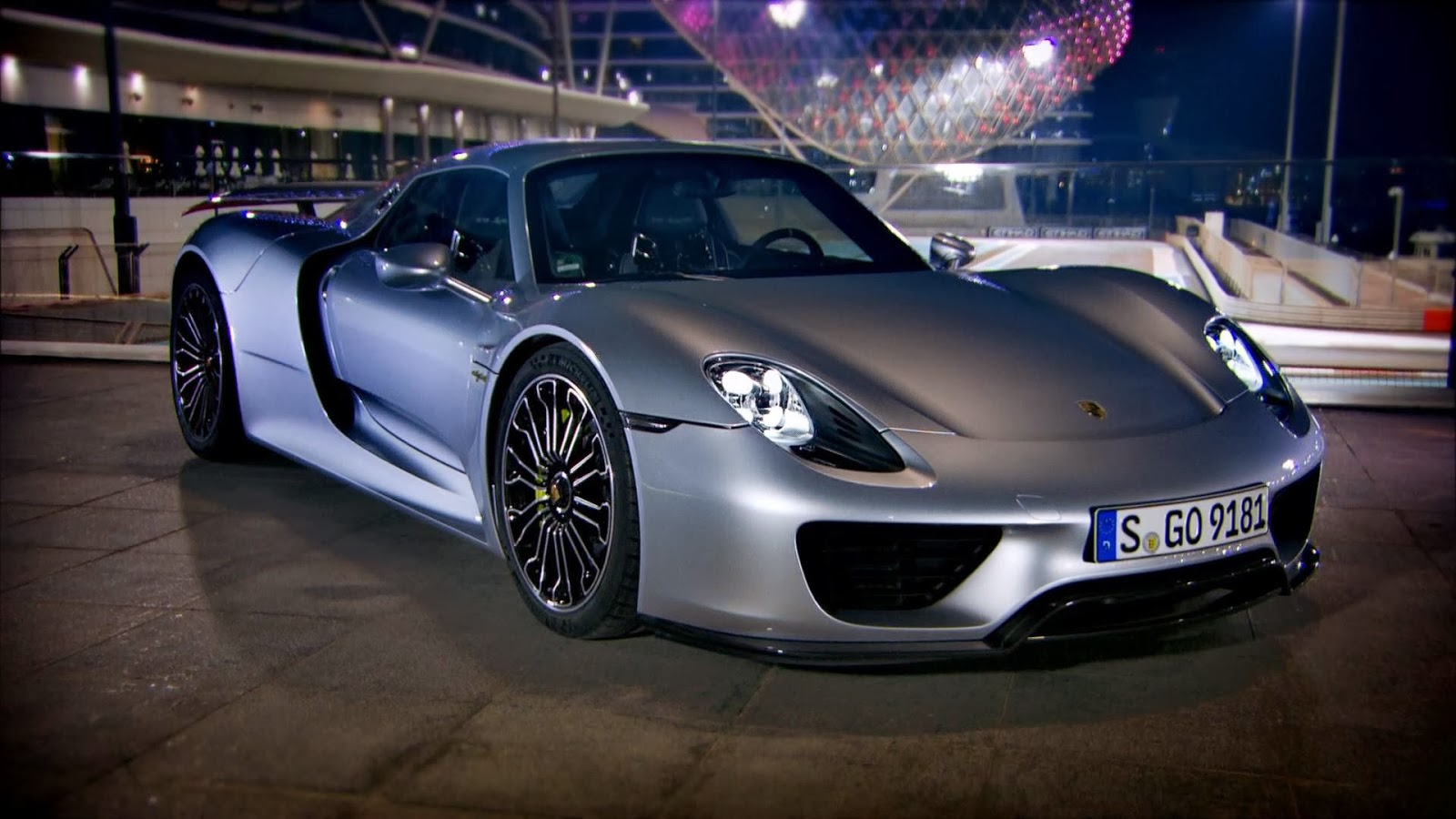 top gear online richard hammond tests porsche 918. Black Bedroom Furniture Sets. Home Design Ideas