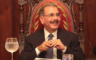 Presidente Medina dispone no cobrar ITBIS a los adquirientes de viviendas a bajos costos