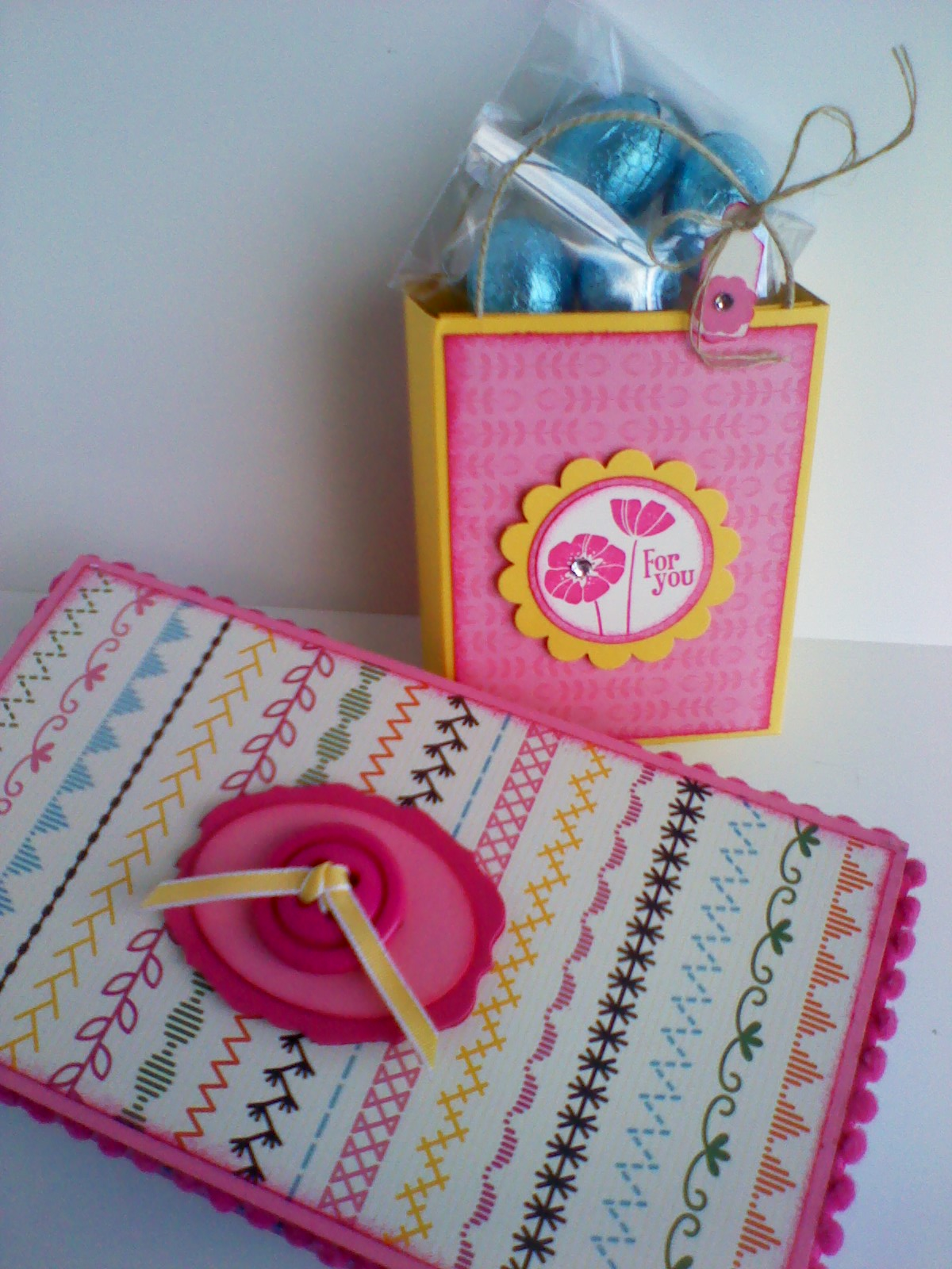 Stamping Joy: CASEing that gorgeous little bag that Jenny made.