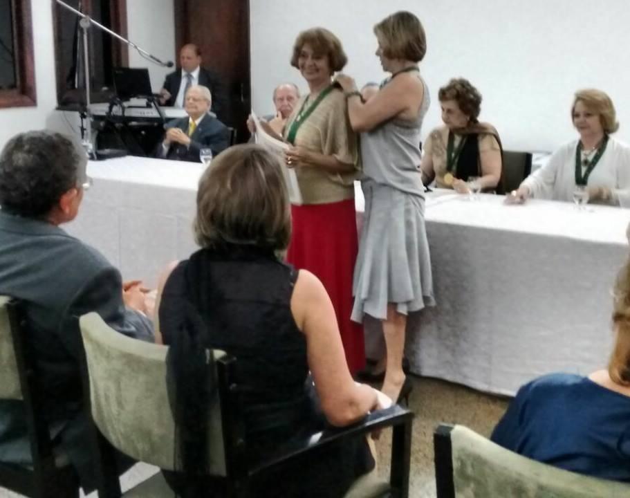 POSSE DA AJEBIANA MARIA LUíSA BOMFIM NA ACADEMIA DE LETRAS E ARTES DO NORDESTE