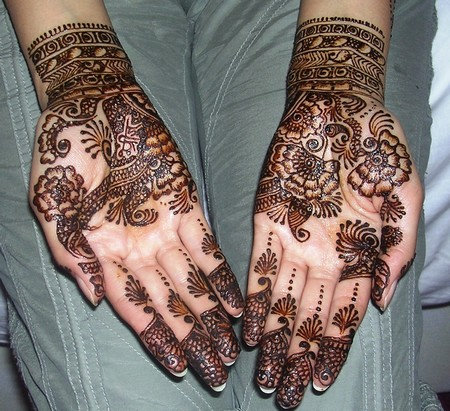 Mehndi style: The Indian Mehndi 2011