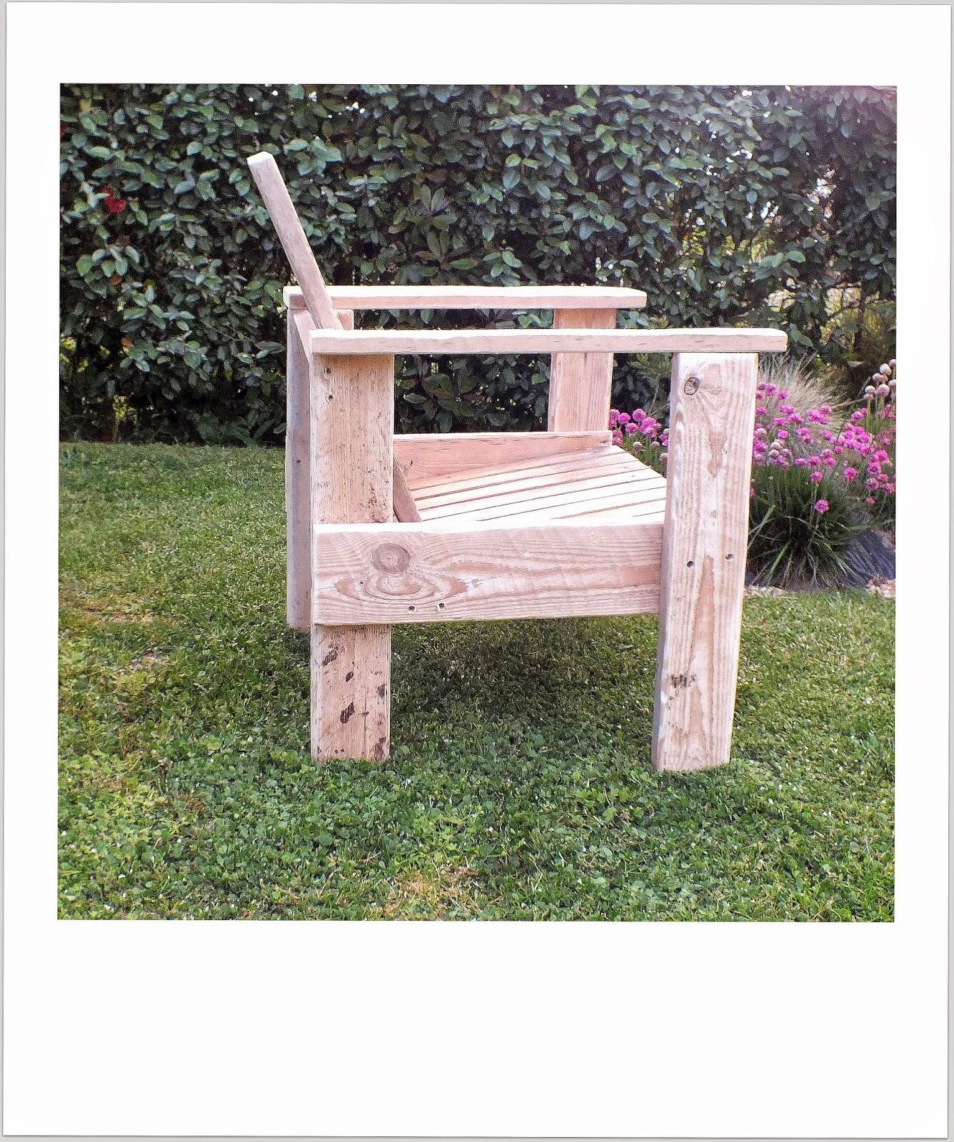 Fauteuil en bois flott et mat riaux de r cup ration le rietveldignolles mutoz inc art en - Chaise bois flotte ...