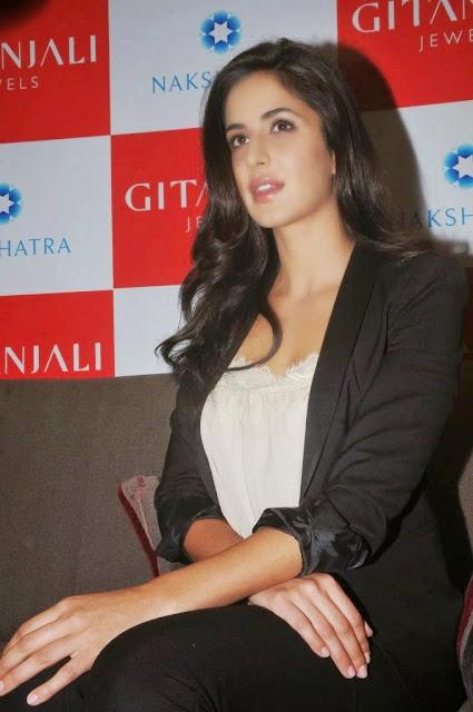 Katrina Kaif Latest Stills At Gitanjali Jewels New Store Inauguration