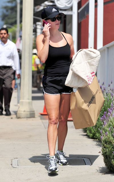 Reese Witherspoon - Leggy Candids In Los Angeles