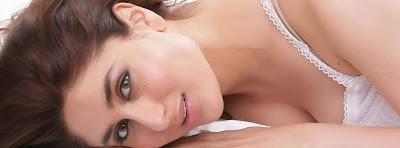 Hot Facebook Timeline Cover Of Kareena Kapoor.