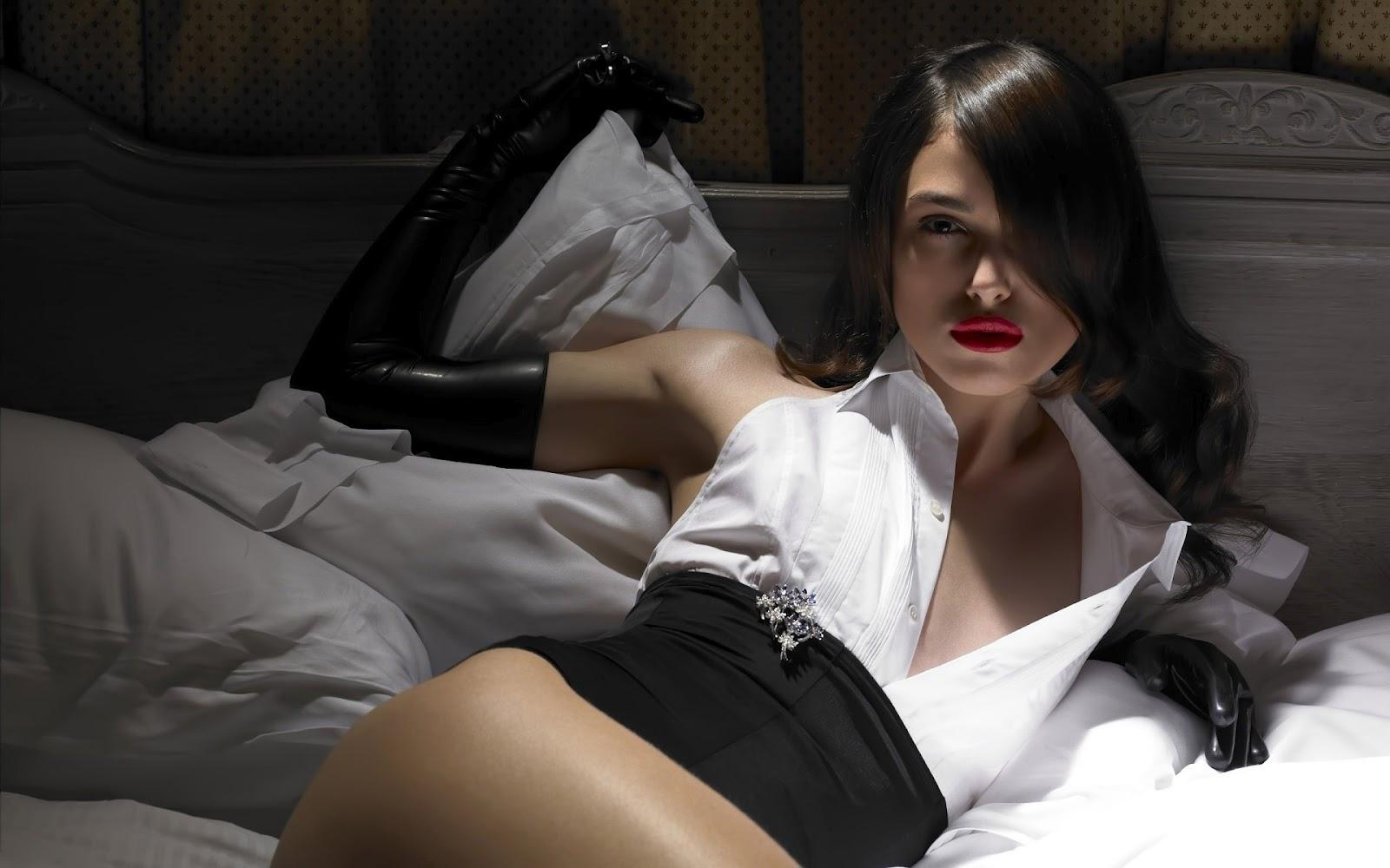 http://4.bp.blogspot.com/-06QgB0BruQs/UFyIwMatGkI/AAAAAAAASvI/wRqoU5egzPI/s1600/Keira+Knightley+Hot+Wallpapers+-+21.jpg
