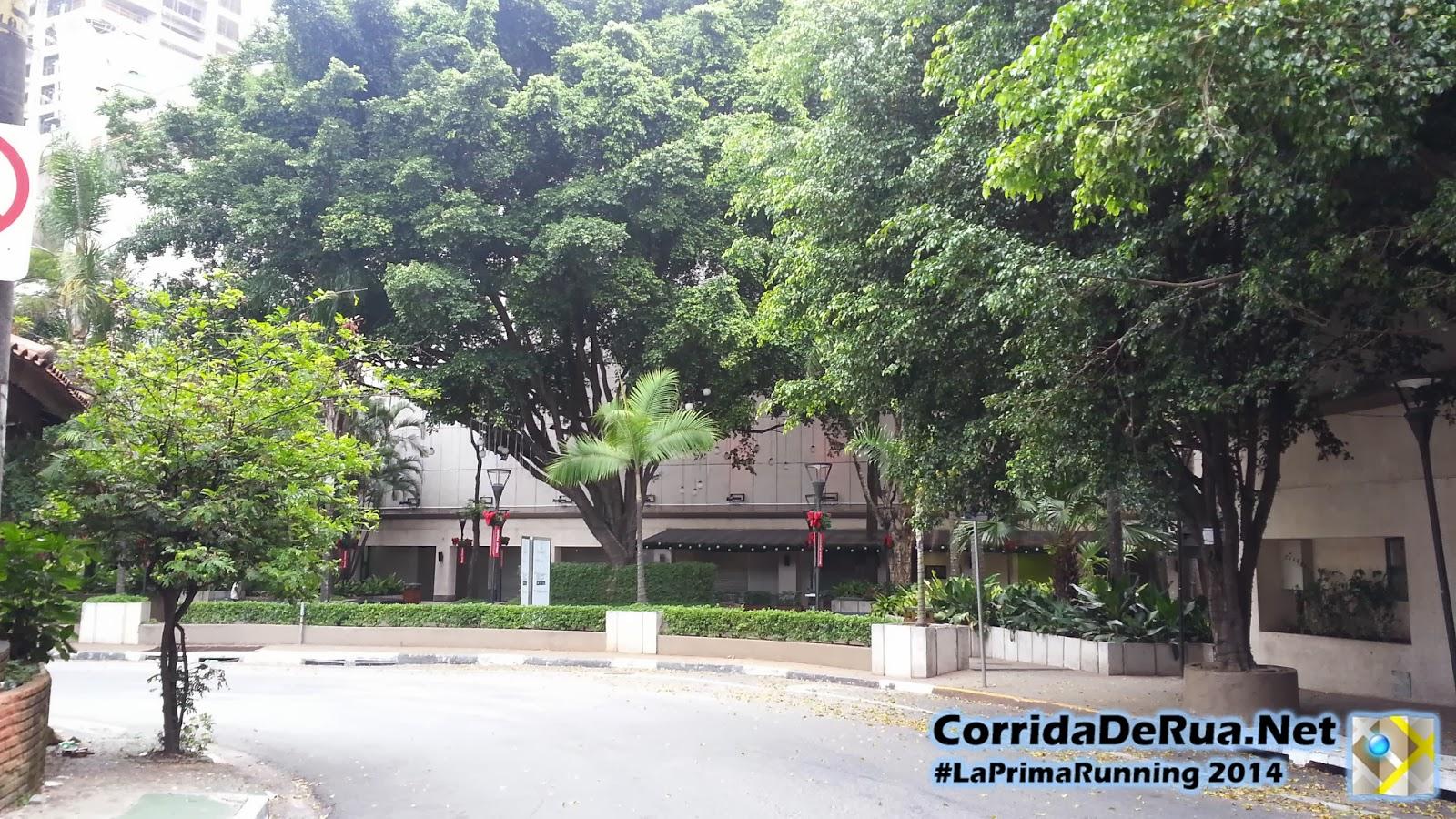Boulevard comercial na Rua Teixeira e Souza - Corrida De Rua