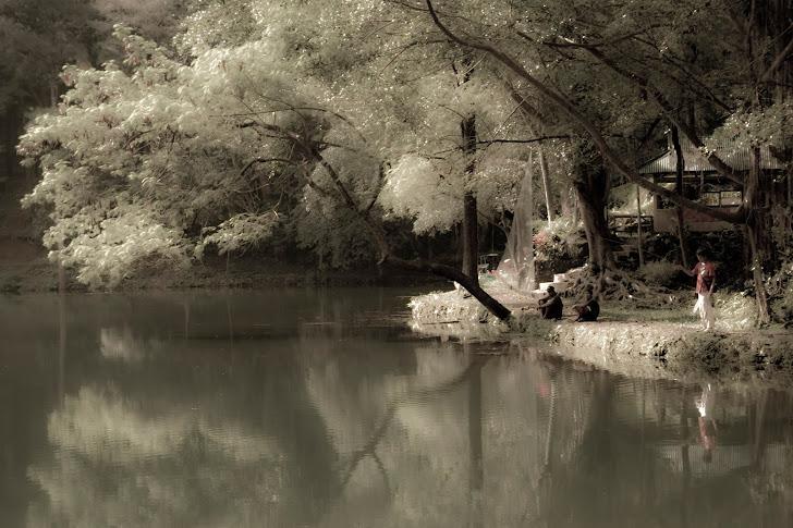 Memancing Ikan. 2011
