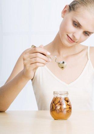 Hỗn hợp này không những có tác dụng hydrate da mà còn có công thức làm dịu và giúp da mềm mại.