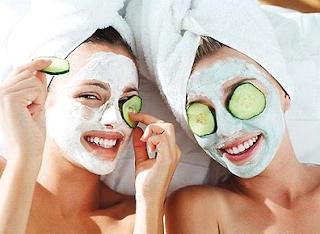 Las máscaras para la persona de los granos para los adolescentes para la piel grasa