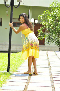 Kavisha Ayeshani hot yellow back