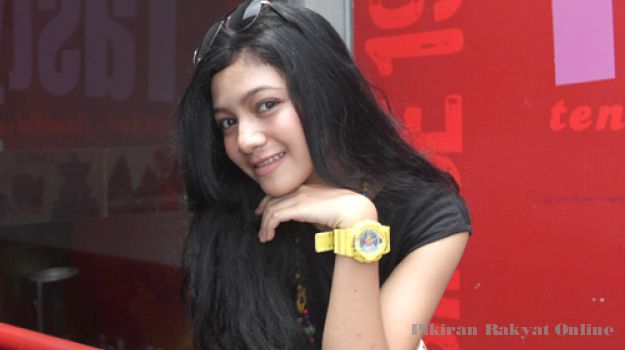 kemeroh.blogspot.com: Profil Anggota Lolipop di Putih Abu-abu