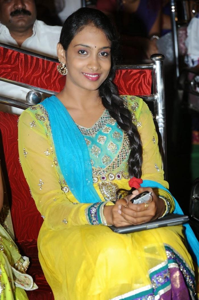 Anjana Sowmya Singer Husband Name Telugu singer anjana soumya