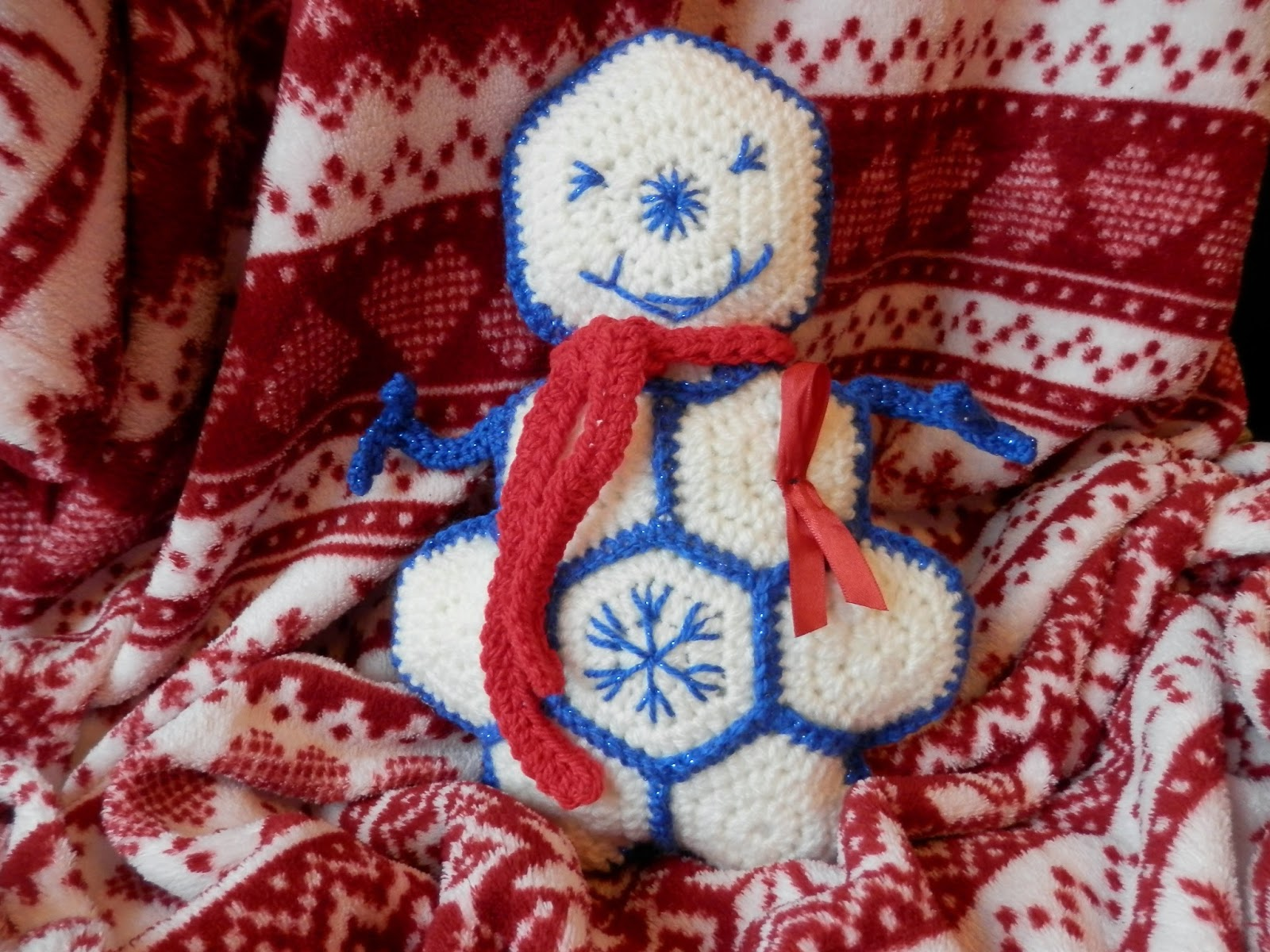 crochet snowman yarnbomb #snowmanswap secondhandsusie.blogspot.co.uk