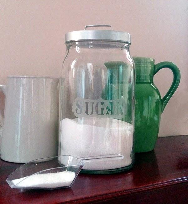 http://dodadidit.blogspot.co.uk/2014/11/glass-etch-labelling.html