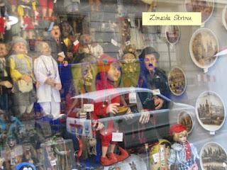 praga-vitrina-unui-magazin-de-suveniruri