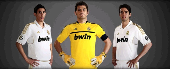 Di Maria, Casillas and Kaka with the New Real Madrid Home Jersey 2011-2012