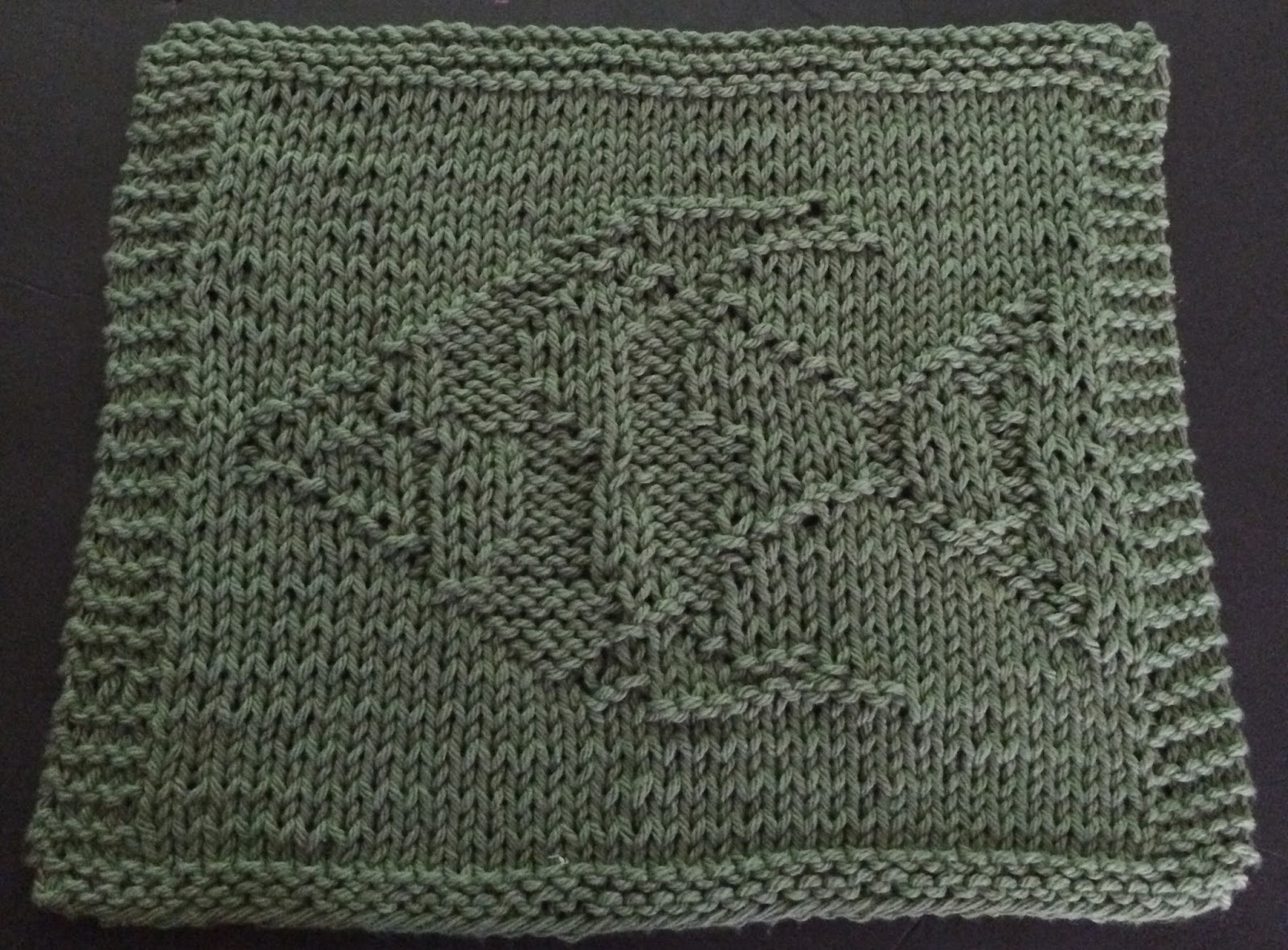 DigKnitty Designs: Angel Fish Knit Dishcloth Pattern