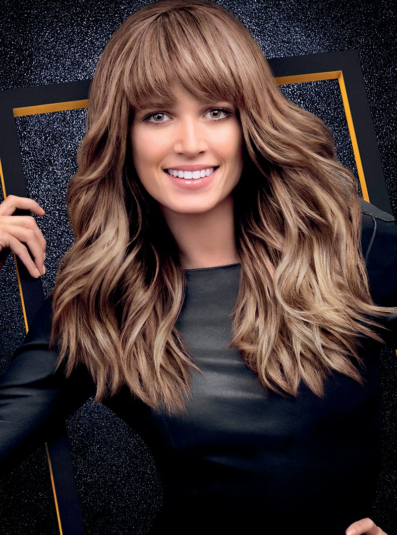 L'Oréal-Professionnel-presenta-Colombia-IT-LOOKS-OTOÑO-INVIERNO-2014-2015-Helena-Bordon-Ash-Blonde-Bangs-and-Waves
