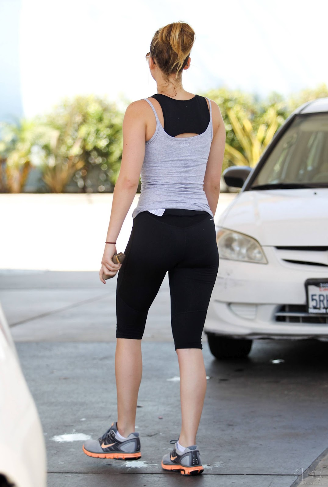 http://4.bp.blogspot.com/-07sVLAhnRAg/UEdaal2NWOI/AAAAAAAAIYo/TpDpOnbVAtE/s1600/jennifer_lawrence_heading_to_the_gym_in_santa_monica_august_13_2012__saZpjKc.jpg
