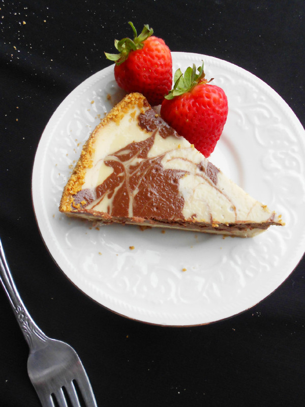 Banana Split Cheesecake - Confessions of a Confectionista