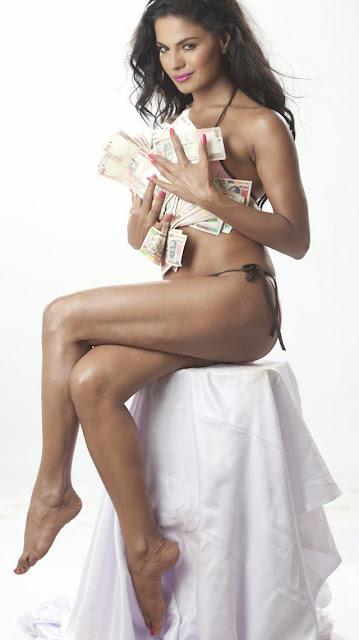 Veena Malik Hot Pics Navel Queens