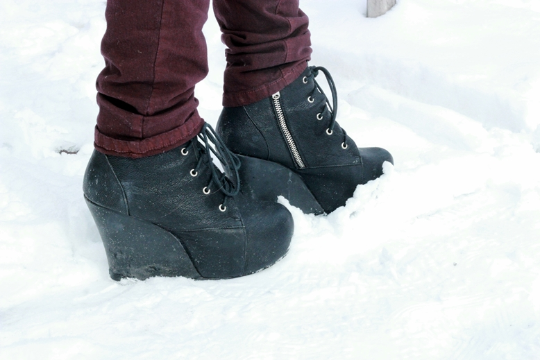 jeffrey campbell wedges black leather, jeffrey campbell wedges blogger snow
