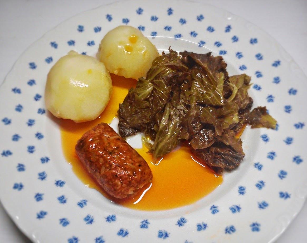 Cocido Vegano de Col Rizada y Salsa Ajada.
