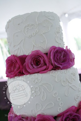 brush embroidery lace wedding cake