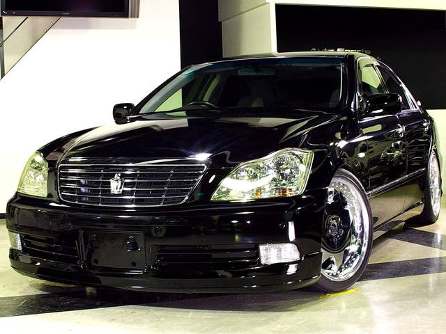 84 Mobil Toyota Crown Baru Bekas Dijual