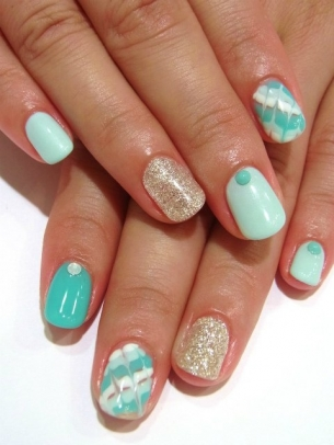 Chic-and-Easy-Fall-2012-Nail-Art-Designs-8