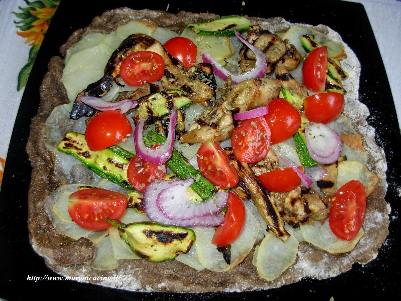 pizza con farina di canapa alle verdure