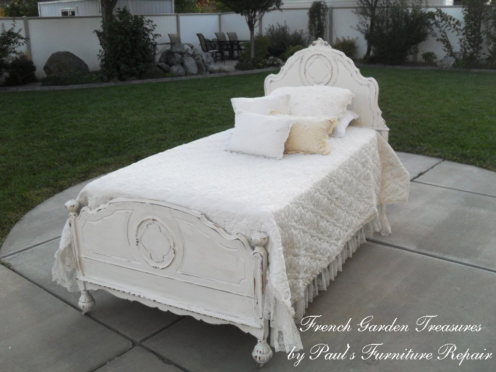 french garden treasures shabby chic twin bed 400. Black Bedroom Furniture Sets. Home Design Ideas