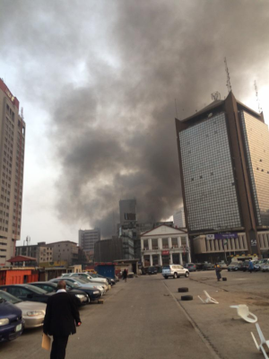 Photos: Raging Fire at Balogun Market, Lagos Island